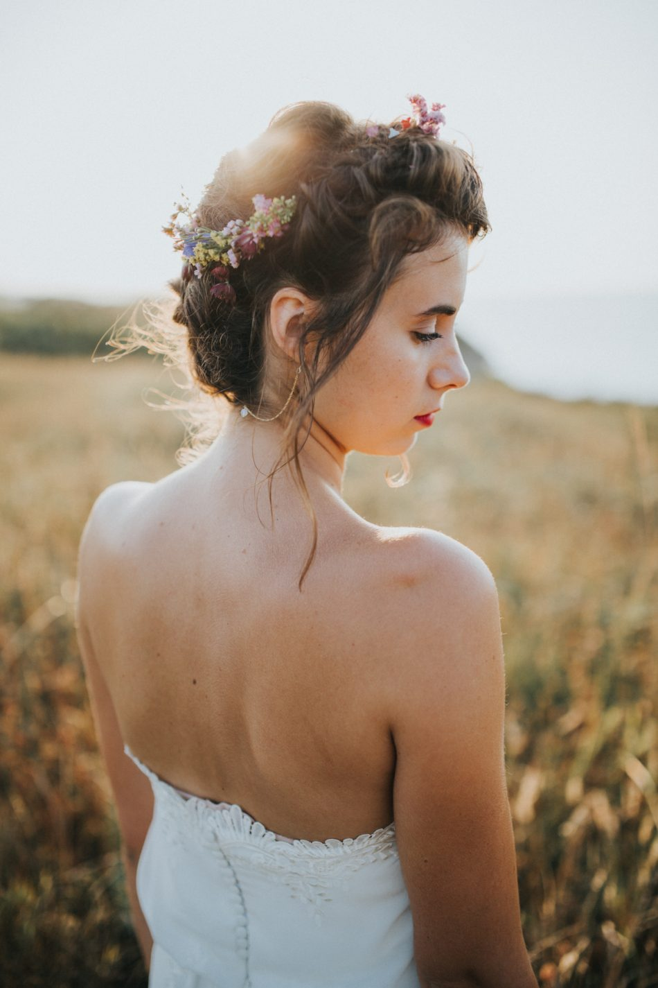 fleuriste-mariage-pays-basque-et-landes-couronne-de-fleurs-de-la-mariee-original-et-boheme