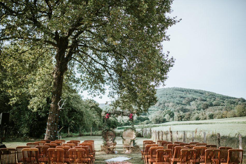 fauteuil-emanuelle-fleuri-pour-un-marigae-boheme-realise-par-ruban-collectif-au-pays-basque